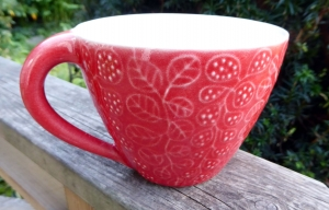 Tekopp Four Leaves Ljusröd - Ulrika Ahlsten Keramik