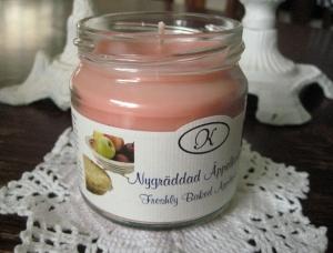 Doftljus Nygräddad Äppelkaka - Klockargårdens